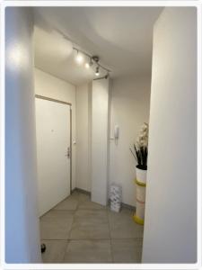 entrée du cabinet podologie pedicurie 9 rue philisbourg BRUNOY